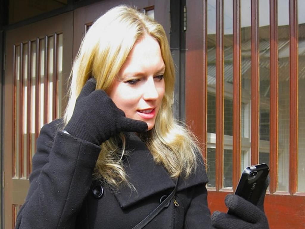 Bluetooth handschoenen, warme handen �n handsfree bellen met je Smartphone!