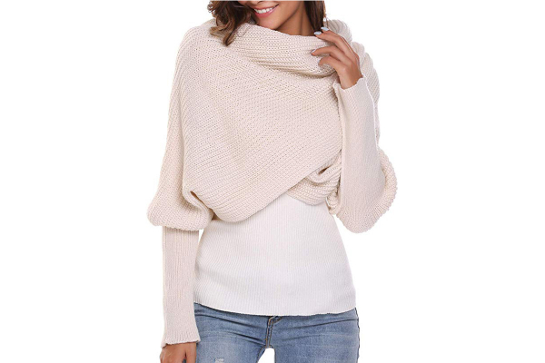 Large beige scarf with sleeves, trendy over-sized and soft